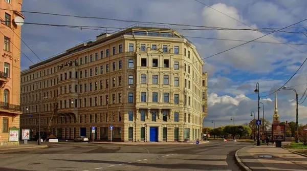 Царь-квартира Алексея Миллера