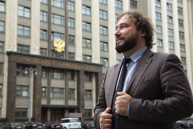 В одно касание. Обвал акций «Яндекса», «пивное» лобби и другие инициативы депутата Горелкина